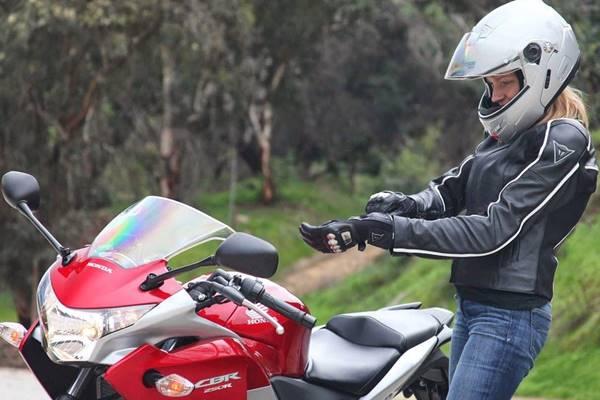 Tips Berkendara Aman Dan Nyaman Bagi Wanita