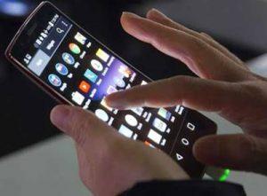 Kebiasaan yang Menyebabkan Layar Sentuh Smartphone Cepat Rusak